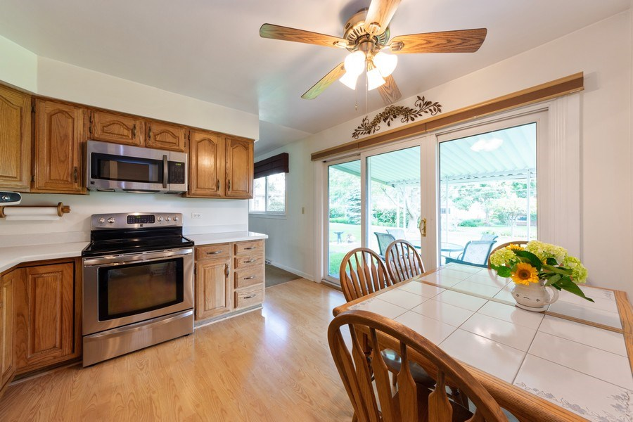 Real Estate Photography - 715 W. Rockwell Street, Arlington Heights, IL, 60005 - Kitchen / Breakfast Room