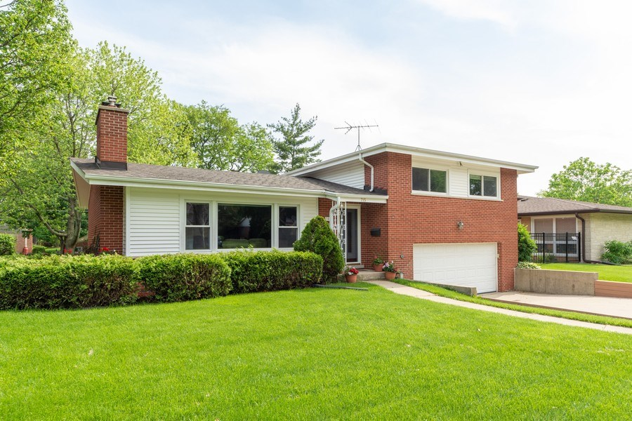 Real Estate Photography - 715 W. Rockwell Street, Arlington Heights, IL, 60005 - Front View