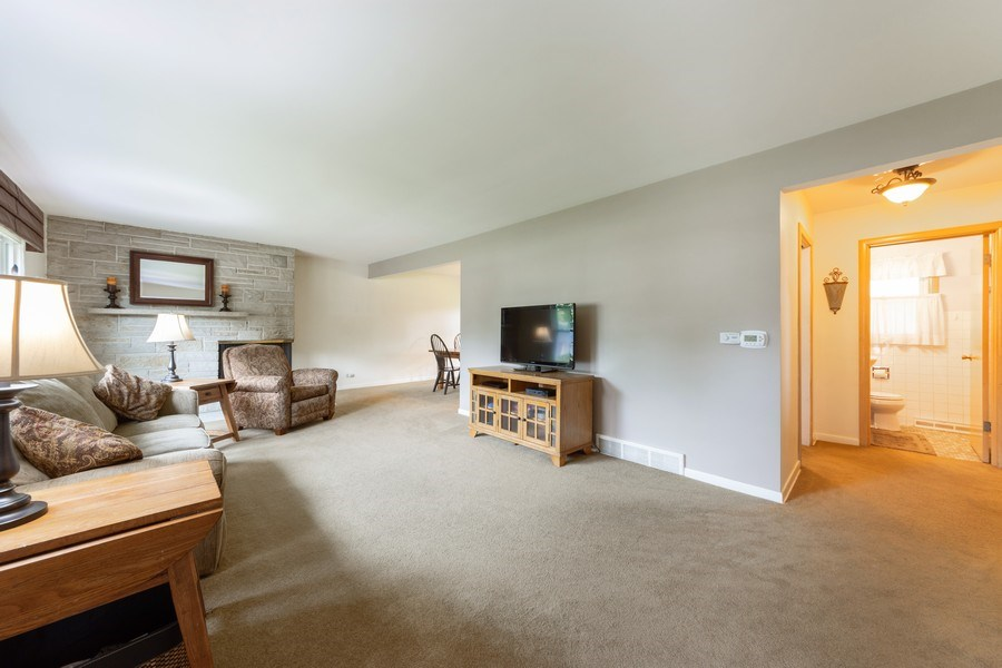 Real Estate Photography - 715 W. Rockwell Street, Arlington Heights, IL, 60005 - Kitchen / Living Room