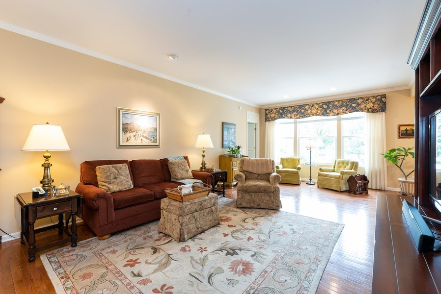 Real Estate Photography - 2544 Harvest Vly, Elgin, IL, 60124 - EXPANSIVE GREAT ROOM