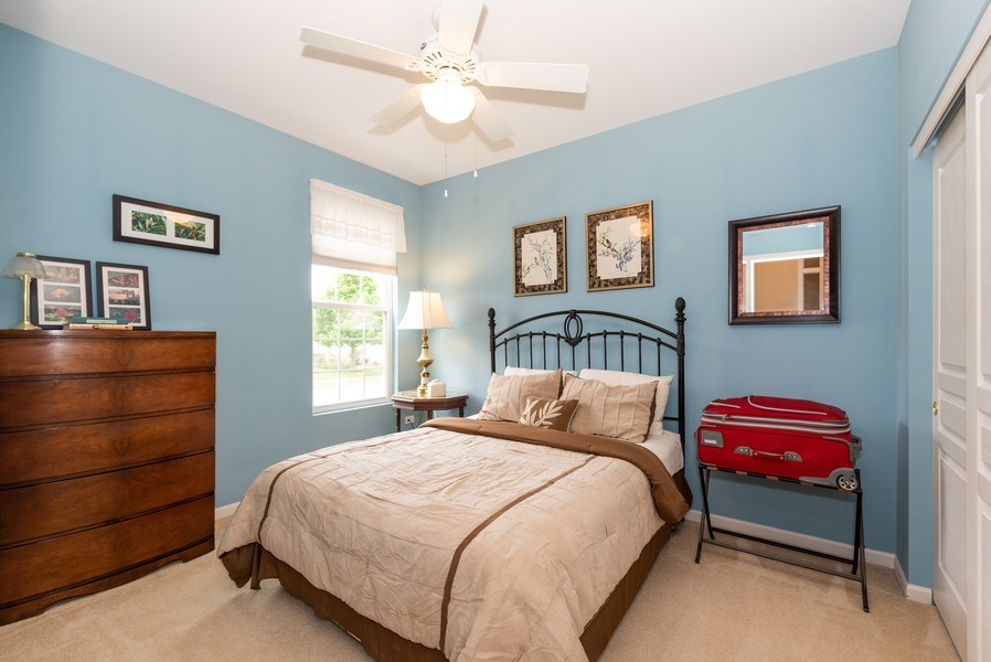 Real Estate Photography - 2544 Harvest Vly, Elgin, IL, 60124 - BEDROOM 2