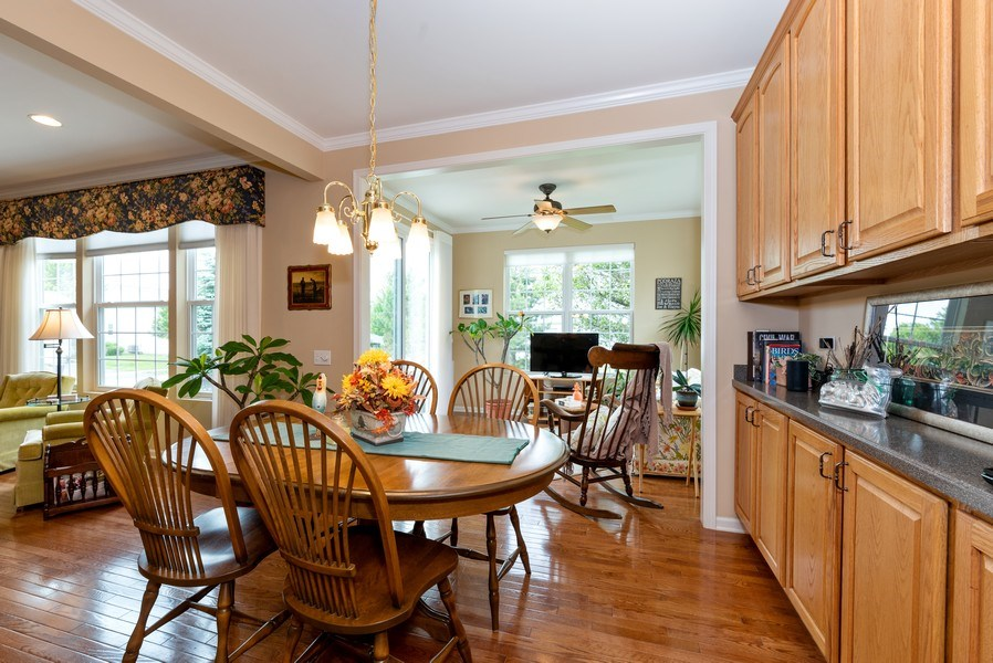Real Estate Photography - 2544 Harvest Vly, Elgin, IL, 60124 - BREAKFAST ROOM + ABUNDANCE OF CABINETS