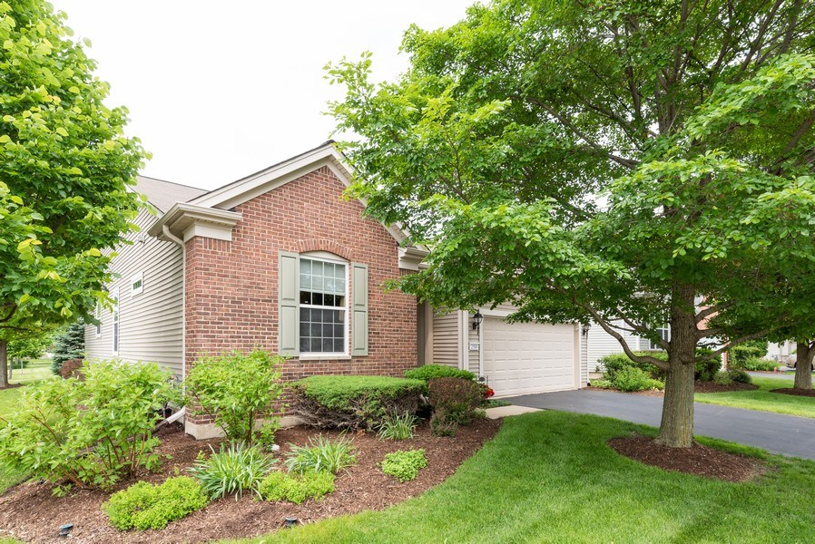 Real Estate Photography - 2544 Harvest Vly, Elgin, IL, 60124 - ANOTHER VIEW OF HOUSE ON CORNER LOT