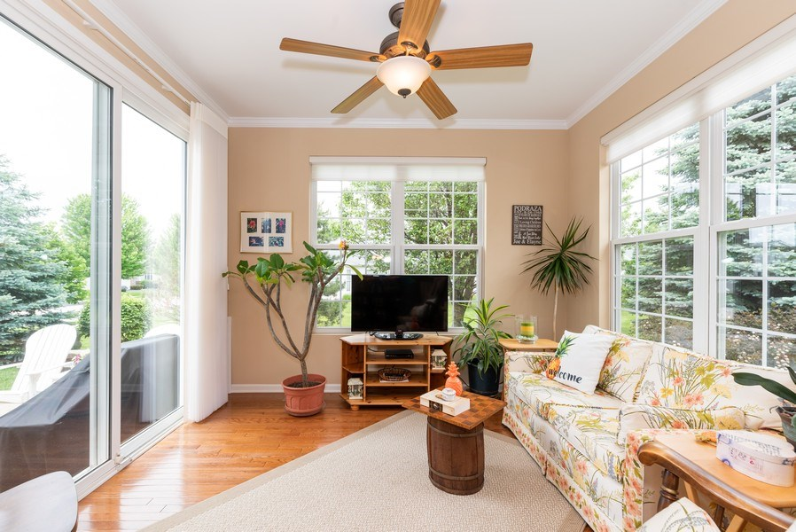 Real Estate Photography - 2544 Harvest Vly, Elgin, IL, 60124 - SUNROOM WITH SLIDER TO PATIO