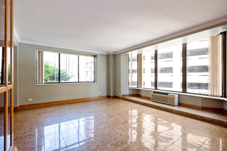 Real Estate Photography - 40 E. Delaware Place, Unit 503, Chicago, IL, 60611 - Living Room