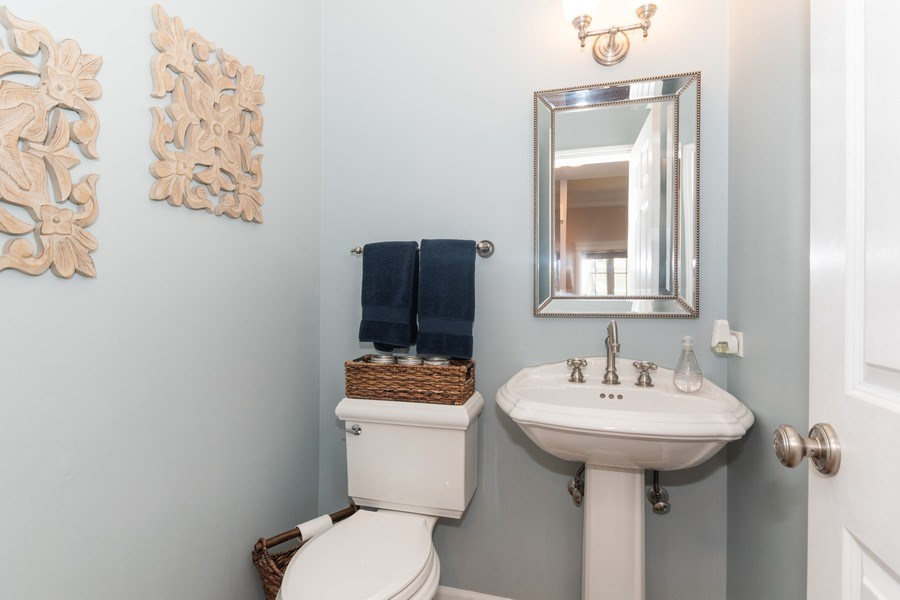 Real Estate Photography - 12 S. Quincy Street, Hinsdale, IL, 60521 - 2nd Bathroom