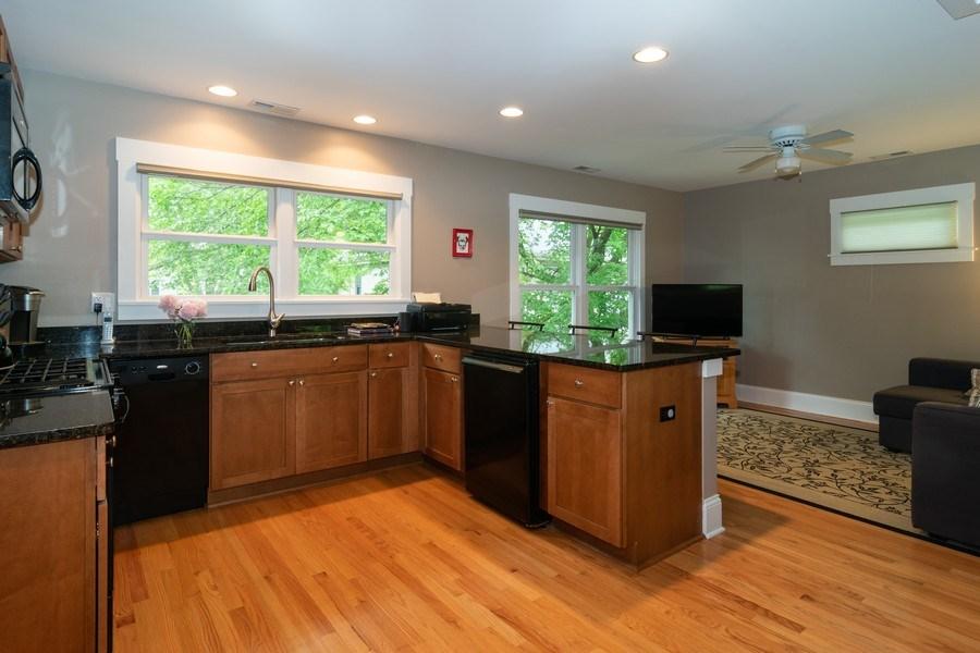 Real Estate Photography - 725 Belleforte Avenue, Oak Park, IL, 60302 - Apartment kitchen