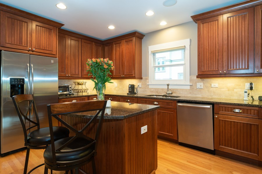 Real Estate Photography - 725 Belleforte Avenue, Oak Park, IL, 60302 - Kitchen
