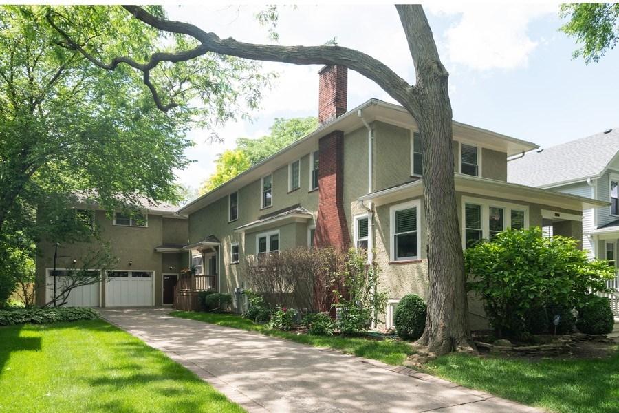 Real Estate Photography - 725 Belleforte Avenue, Oak Park, IL, 60302 - Attached garage and side entrance