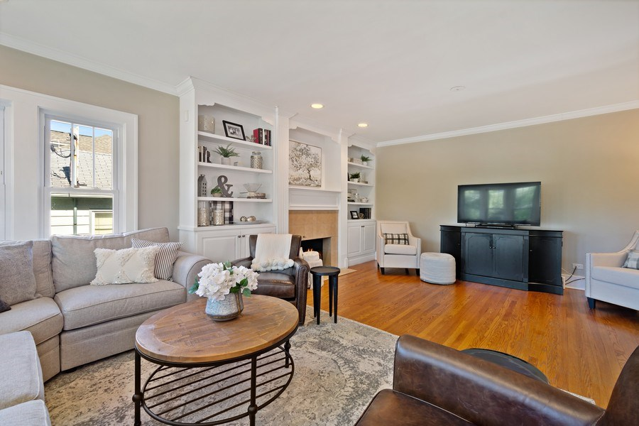 Real Estate Photography - 215 Coolidge Avenue, Barrington, IL, 60010 - Living Room
