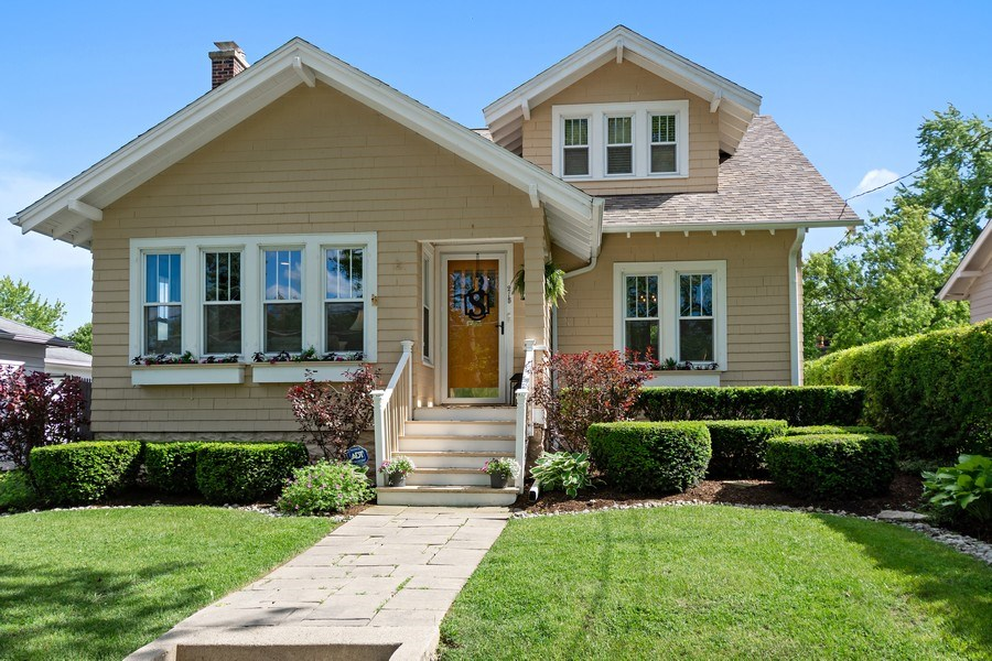 Real Estate Photography - 215 Coolidge Avenue, Barrington, IL, 60010 - Front View