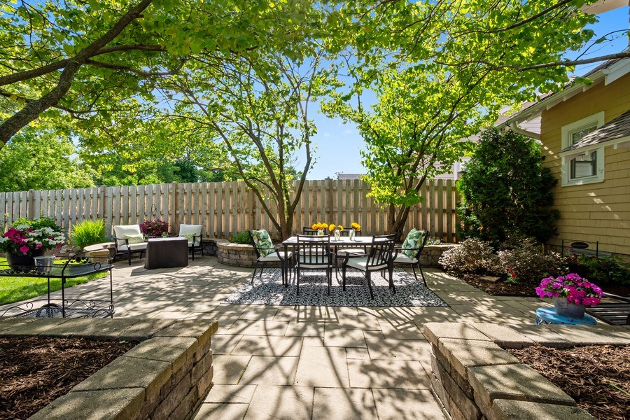 Real Estate Photography - 215 Coolidge Avenue, Barrington, IL, 60010 - Patio