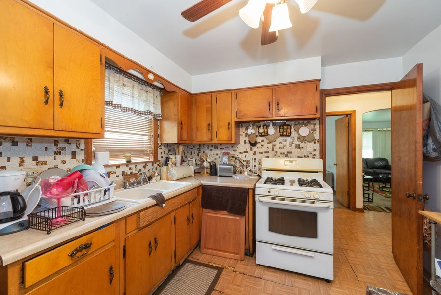 Real Estate Photography - 329 46th Avenue, Bellwood, IL, 60104 - Kitchen