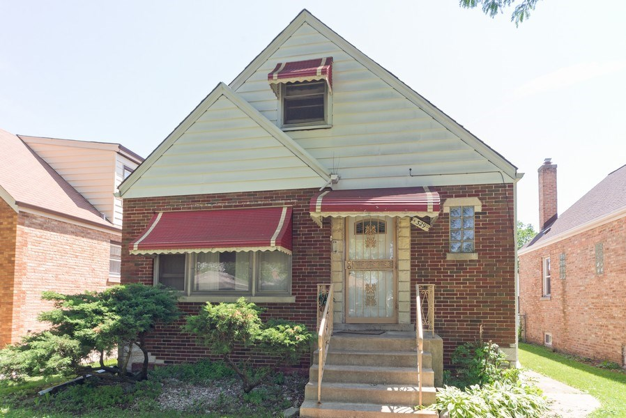 Real Estate Photography - 329 46th Avenue, Bellwood, IL, 60104 - Front View
