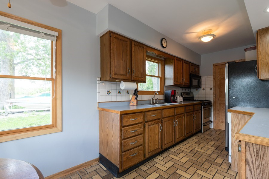 Real Estate Photography - 27160 West Sunset Ave, Antioch, IL, 60002 - Kitchen