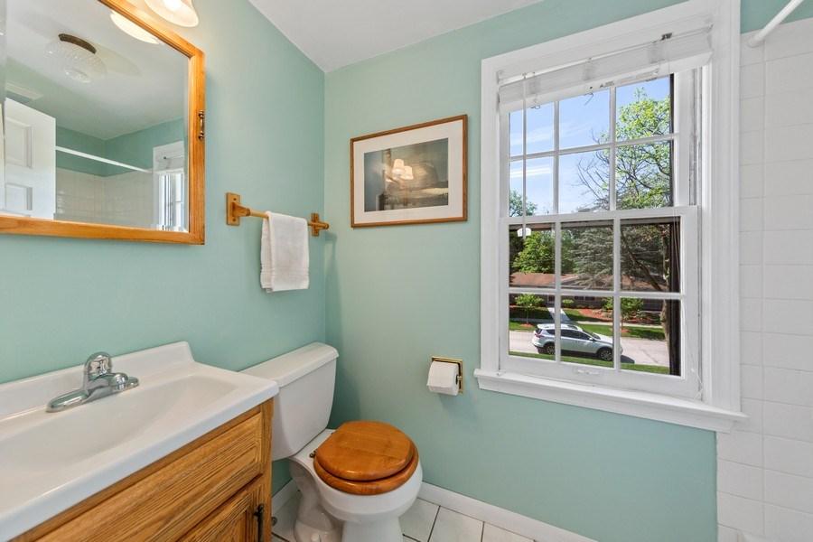 Real Estate Photography - 382 Ridgewood Avenue, Glen Ellyn, IL, 60137 - Master Bathroom