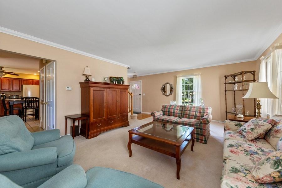 Real Estate Photography - 382 Ridgewood Avenue, Glen Ellyn, IL, 60137 - Living Room