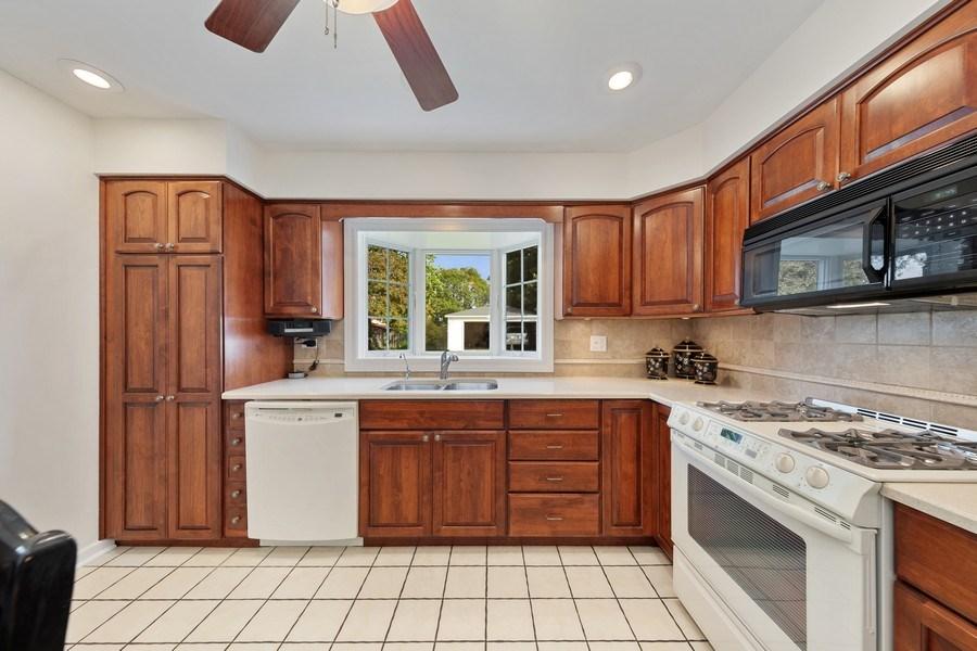 Real Estate Photography - 382 Ridgewood Avenue, Glen Ellyn, IL, 60137 - Kitchen