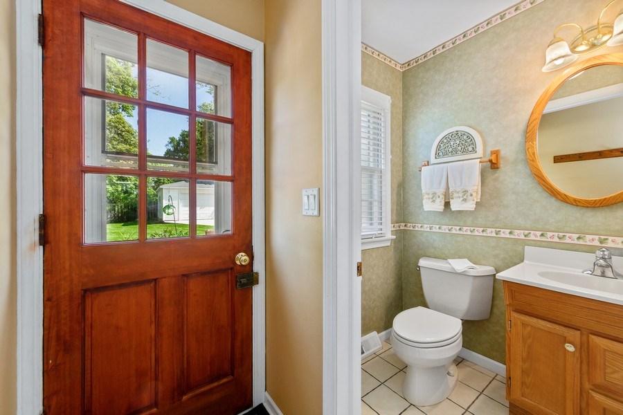 Real Estate Photography - 382 Ridgewood Avenue, Glen Ellyn, IL, 60137 - Powder Room