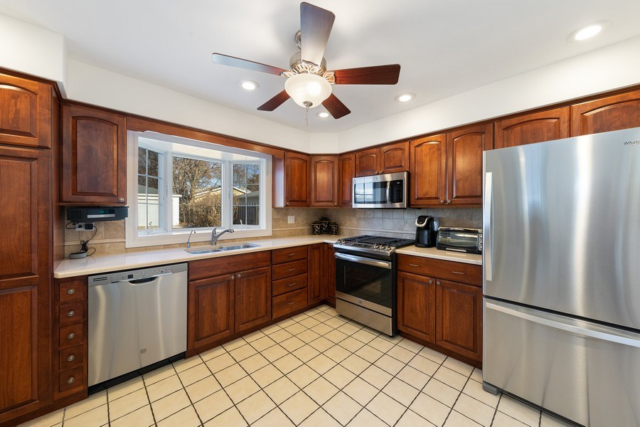 Real Estate Photography - 382 Ridgewood Avenue, Glen Ellyn, IL, 60137 -