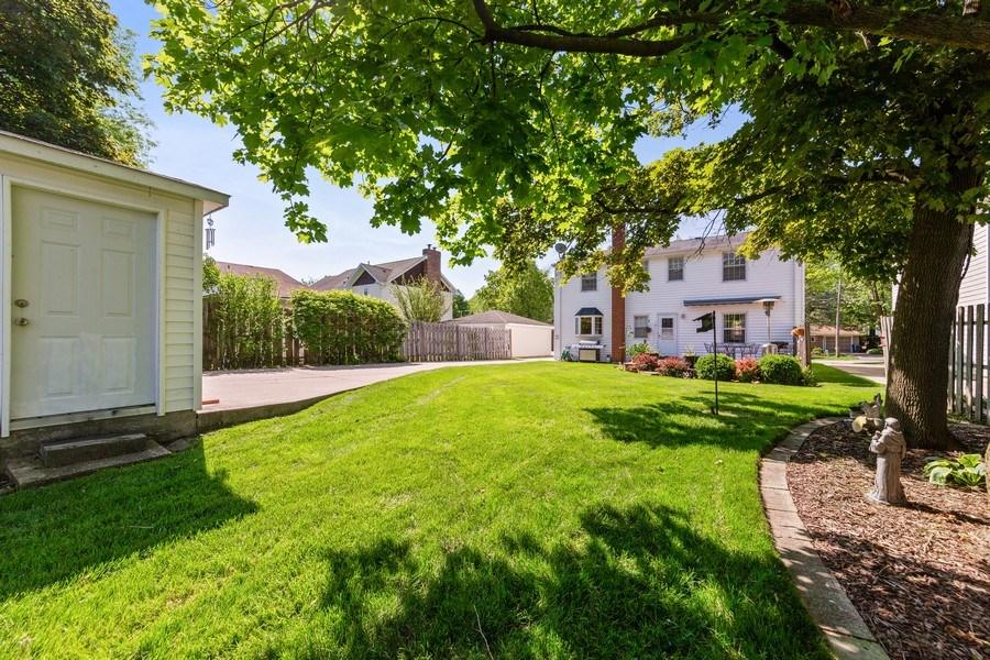 Real Estate Photography - 382 Ridgewood Avenue, Glen Ellyn, IL, 60137 - Back Yard