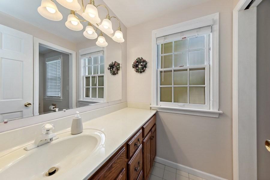 Real Estate Photography - 382 Ridgewood Avenue, Glen Ellyn, IL, 60137 - Bathroom