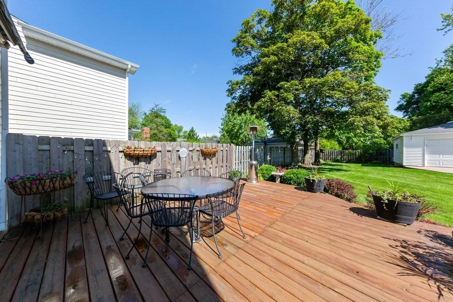 Real Estate Photography - 382 Ridgewood Avenue, Glen Ellyn, IL, 60137 - Patio