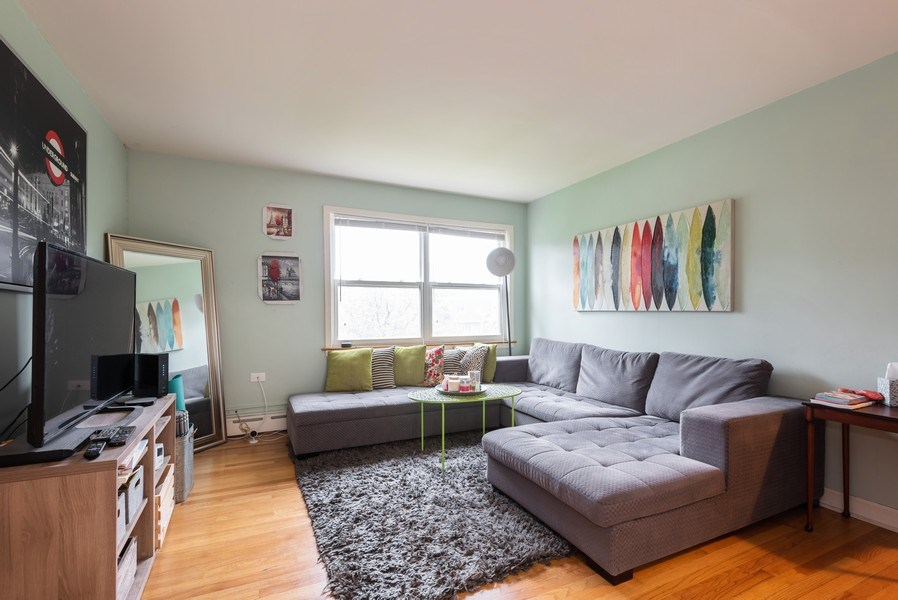 Real Estate Photography - 926 Harlem Ave, Glenview, IL, 60025 - Living Room