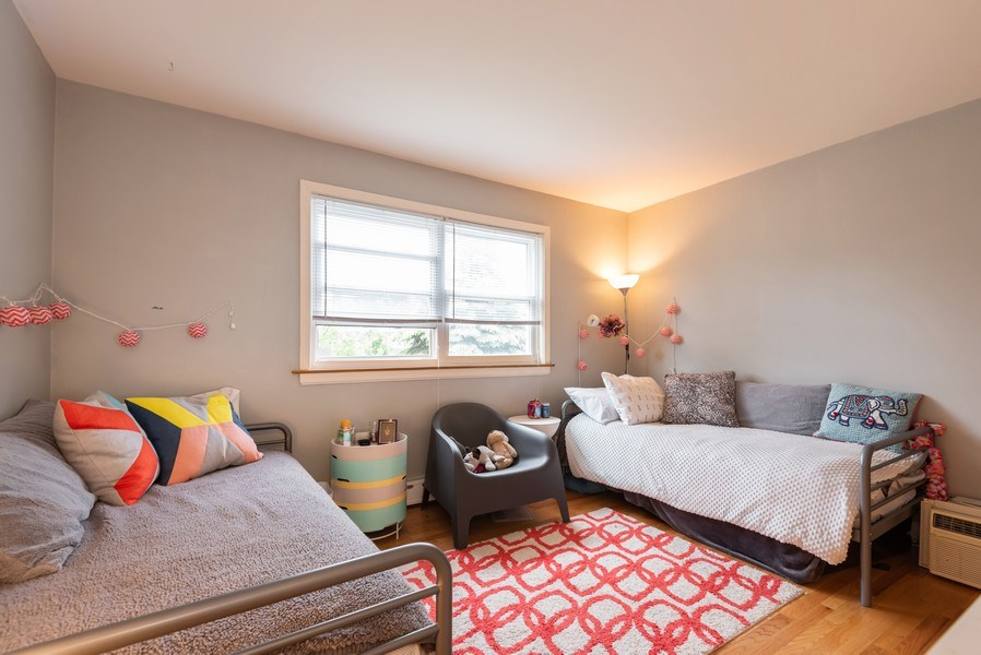 Real Estate Photography - 926 Harlem Ave, Glenview, IL, 60025 - Bedroom
