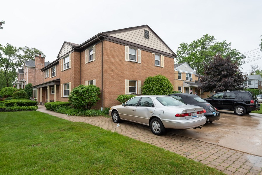 Real Estate Photography - 926 Harlem Ave, Glenview, IL, 60025 - Parking Area