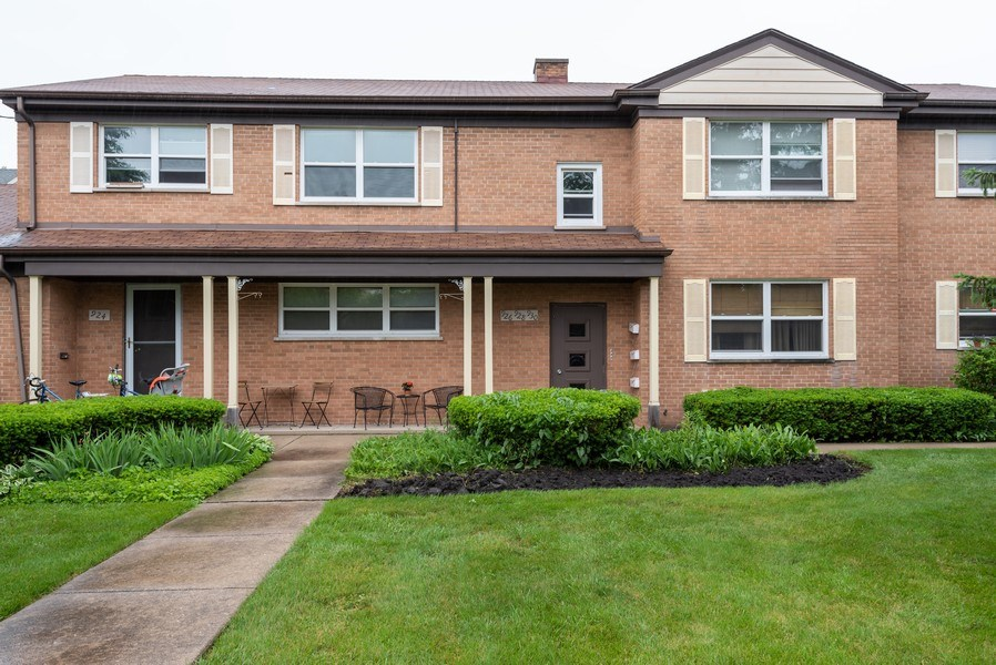 Real Estate Photography - 926 Harlem Ave, Glenview, IL, 60025 - Front View