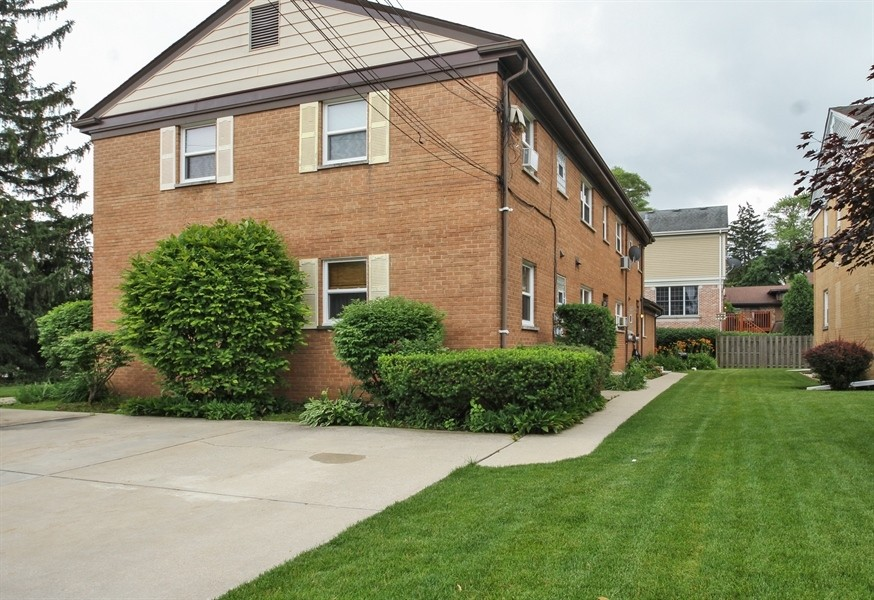 Real Estate Photography - 926 Harlem Ave, Glenview, IL, 60025 -