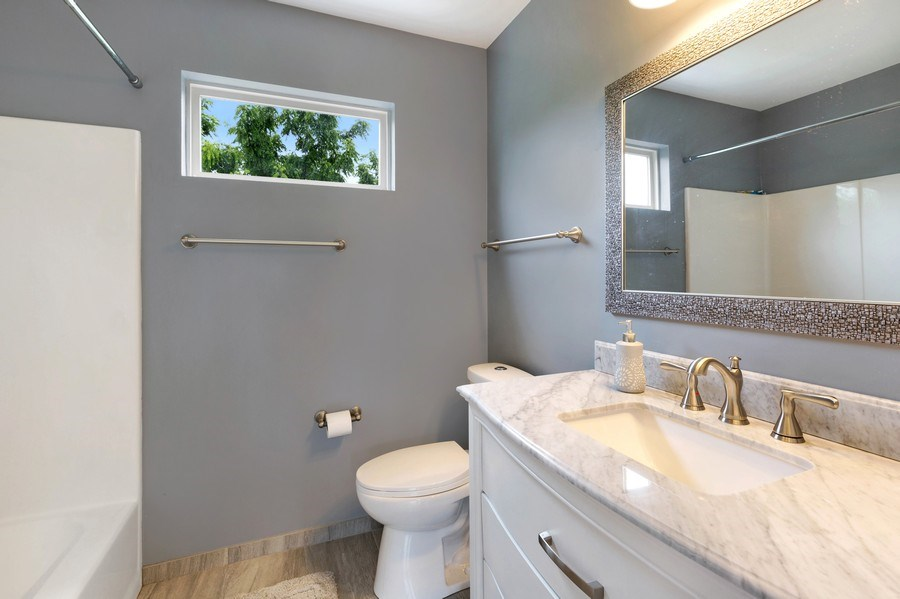 Real Estate Photography - 120 Prairie Ridge Drive, Woodstock, IL, 60098 - 2nd Bathroom