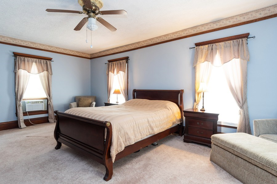 Real Estate Photography - 425 Grant Place, Aurora, IL, 60505 - Master Bedroom