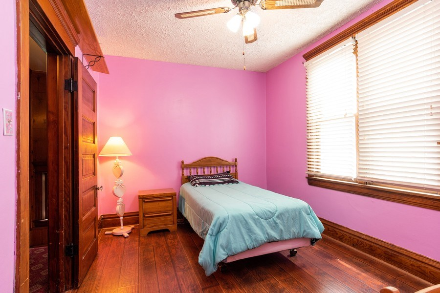 Real Estate Photography - 425 Grant Place, Aurora, IL, 60505 - 3rd Bedroom