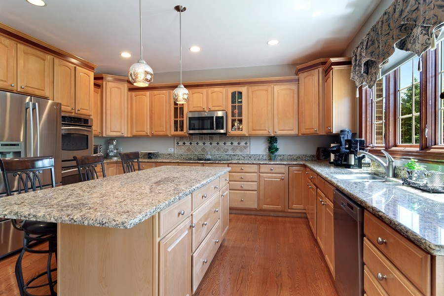 Real Estate Photography - 117 LUCY Court, Lake Zurich, IL, 60047 - Kitchen