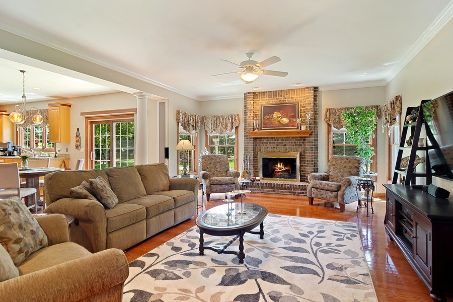 Real Estate Photography - 117 LUCY Court, Lake Zurich, IL, 60047 - Family Room