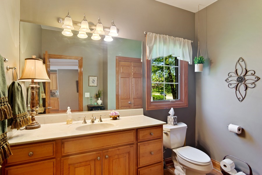 Real Estate Photography - 117 LUCY Court, Lake Zurich, IL, 60047 - First Floor Powder Room