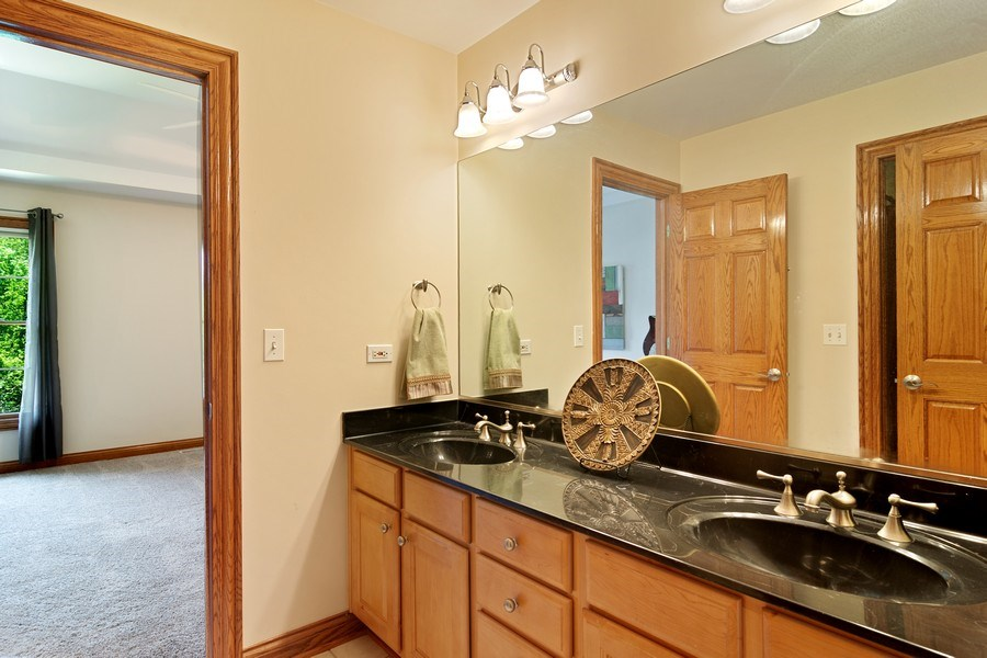 Real Estate Photography - 117 LUCY Court, Lake Zurich, IL, 60047 - Jack and Jill Bathroom