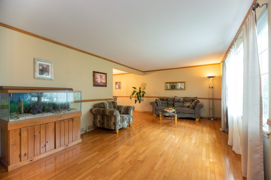 Real Estate Photography - 1118 S. Cherrywood Drive, Mount Prospect, IL, 60056 - Living Room