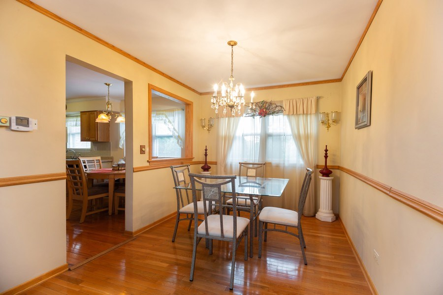 Real Estate Photography - 1118 S. Cherrywood Drive, Mount Prospect, IL, 60056 - Dining Room