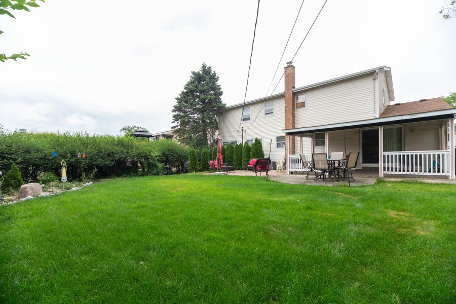 Real Estate Photography - 1118 S. Cherrywood Drive, Mount Prospect, IL, 60056 - Back Yard