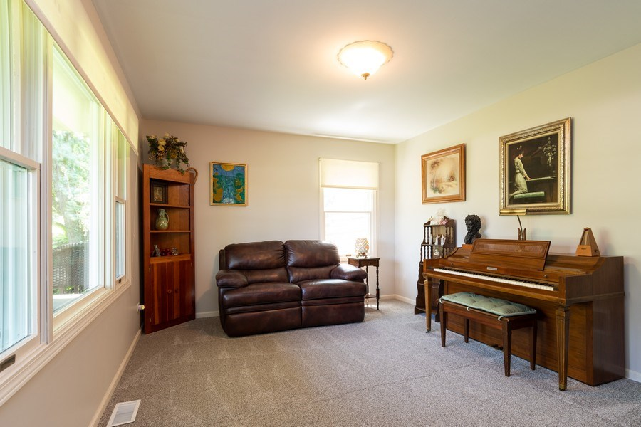 Real Estate Photography - 79 Highview Drive, Yorkville, IL, 60560 - Living Room