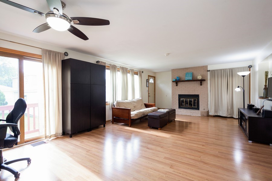 Real Estate Photography - 1621 Belleview Avenue, Westchester, IL, 60154 - Spacious & Bright Family Room w/Gas Fireplace