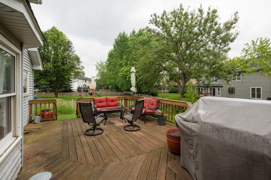Real Estate Photography - 1167 Book Road, Naperville, IL, 60540 - Deck