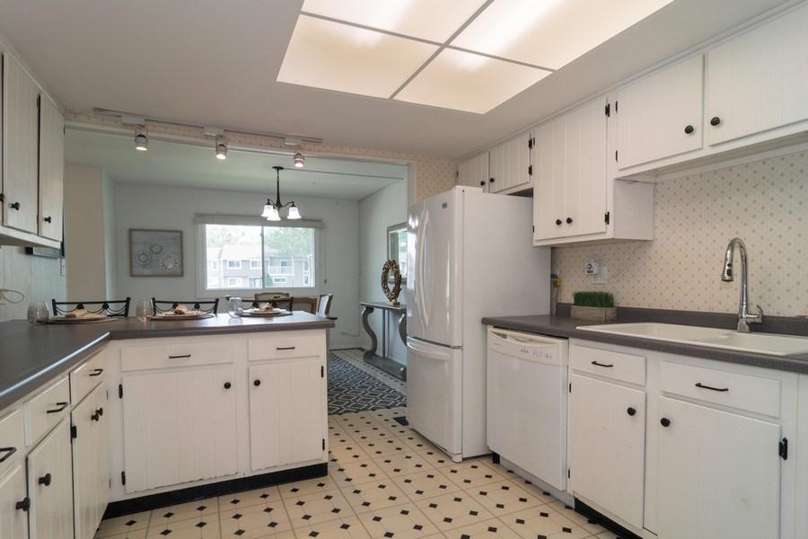 Real Estate Photography - 1125 Sausalito Court, Bartlett, IL, 60103 - Kitchen