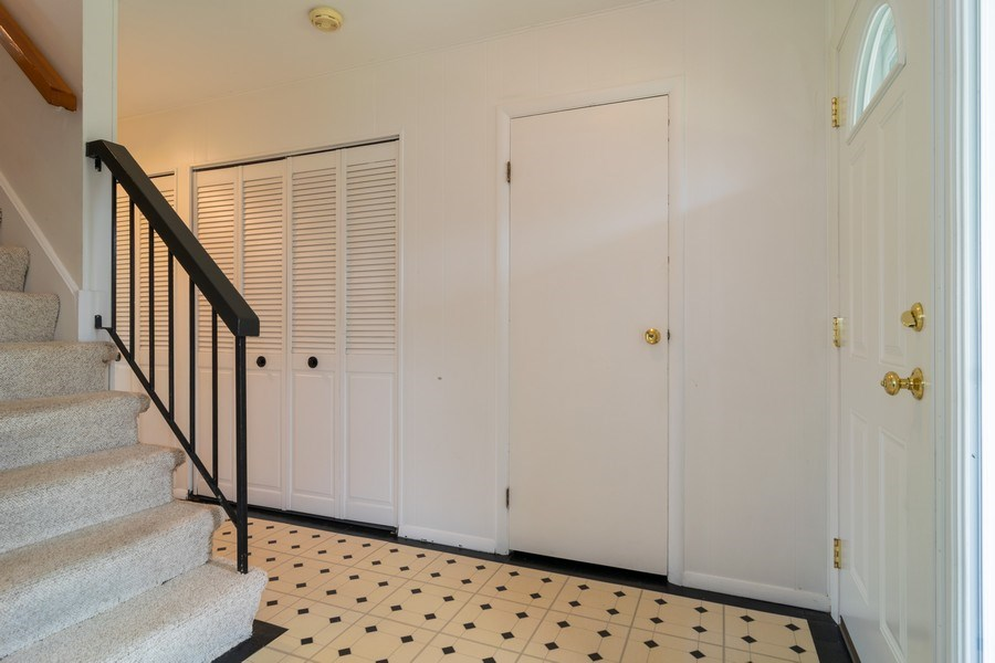 Real Estate Photography - 1125 Sausalito Court, Bartlett, IL, 60103 - Foyer