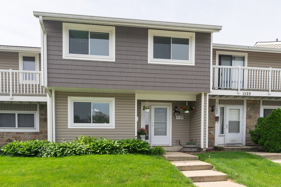 Real Estate Photography - 1125 Sausalito Court, Bartlett, IL, 60103 - Front View