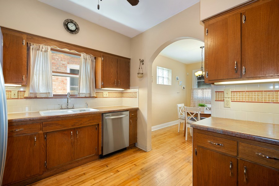 Real Estate Photography - 1636 Wisconsin Ave, Berwyn, IL, 60402 - Kitchen