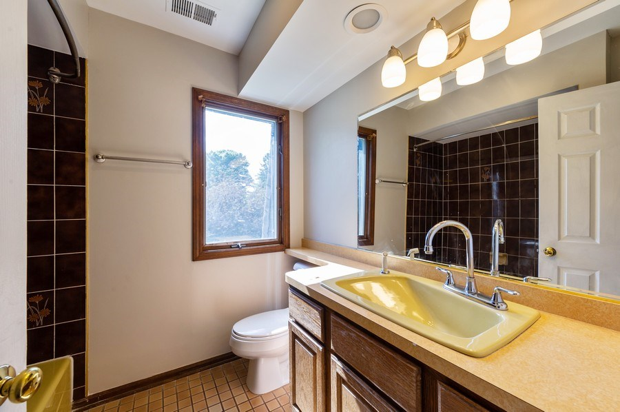 Real Estate Photography - 4315 Wenonah Avenue, Stickney, IL, 60402 - Master Bathroom